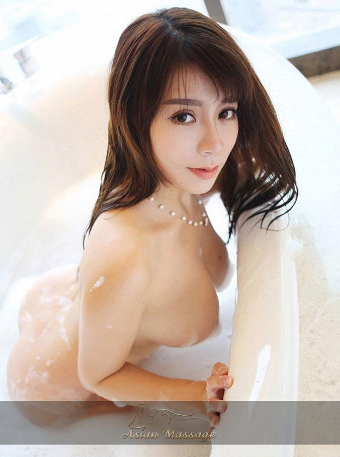 Chinese Masseuse Benna, Age 21 Picture 2